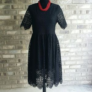 H&M new black strong lace dress